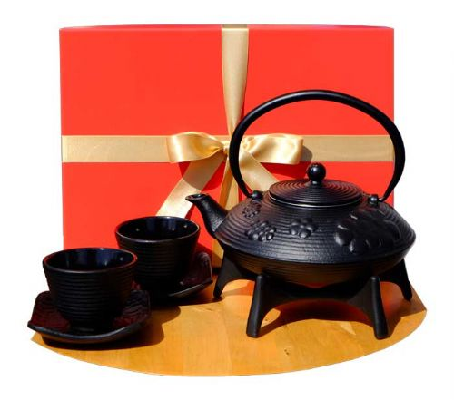 Gift Box - Cast Iron Black Flower Teapot  Star trivet Zen SQ cups  X2